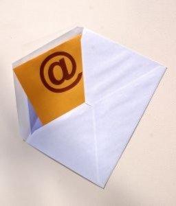an-e-mail_21215930-256x300