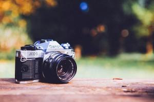 digital-camera-349873_640-300x199