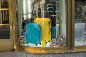 suitcases-438475_640-300x199