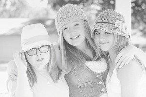 friends-204325_640-300x199
