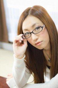 C777_meganewokakenaosujyosei-thumb-autox1000-14904-200x300